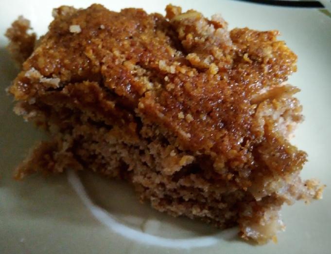 Apple Cinnamon Cake Slice