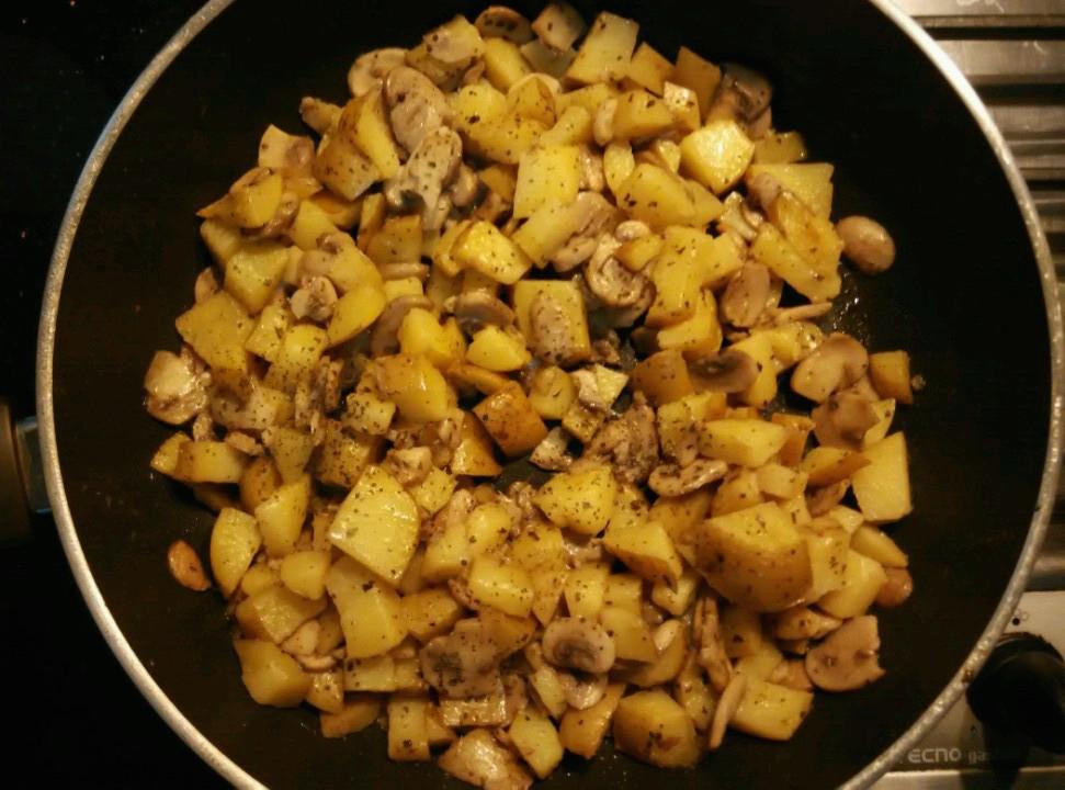 Garlic and Basil Mashed Potato - Basil